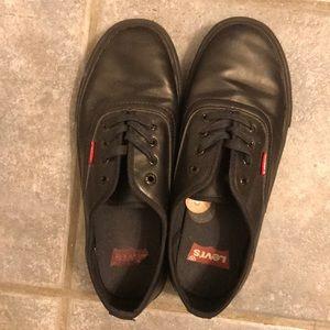 Black Levi's shoes!